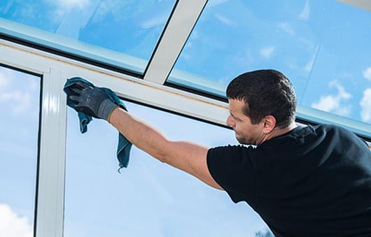 Fenster Und Schwänze Reinigung